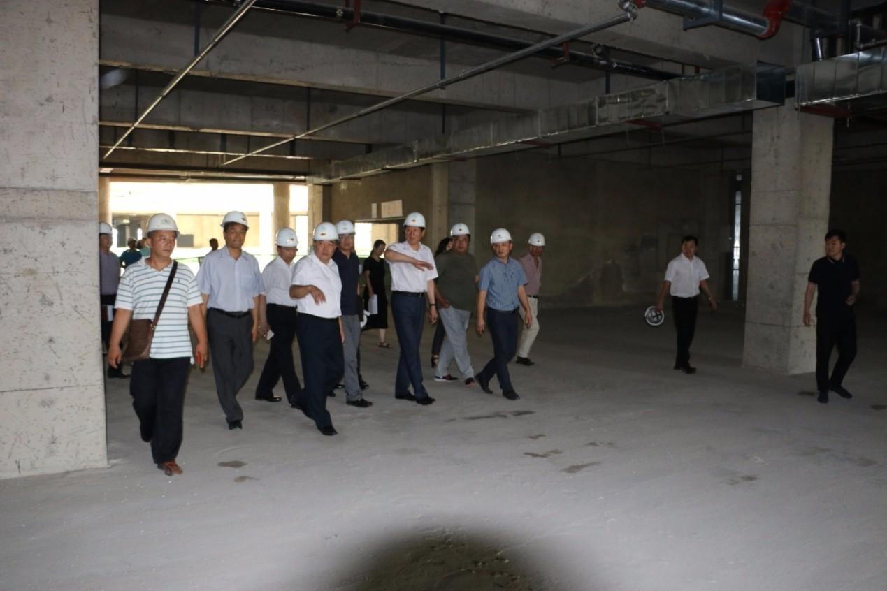 沈阳市市长潘利国一行人员参观考察七星海世界