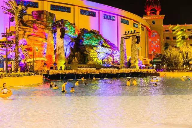 这个周末来七星海世界参加夏夜水上狂欢party!